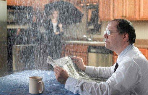 Cuidados com o reparo de goteiras e vazamentos no telhado
